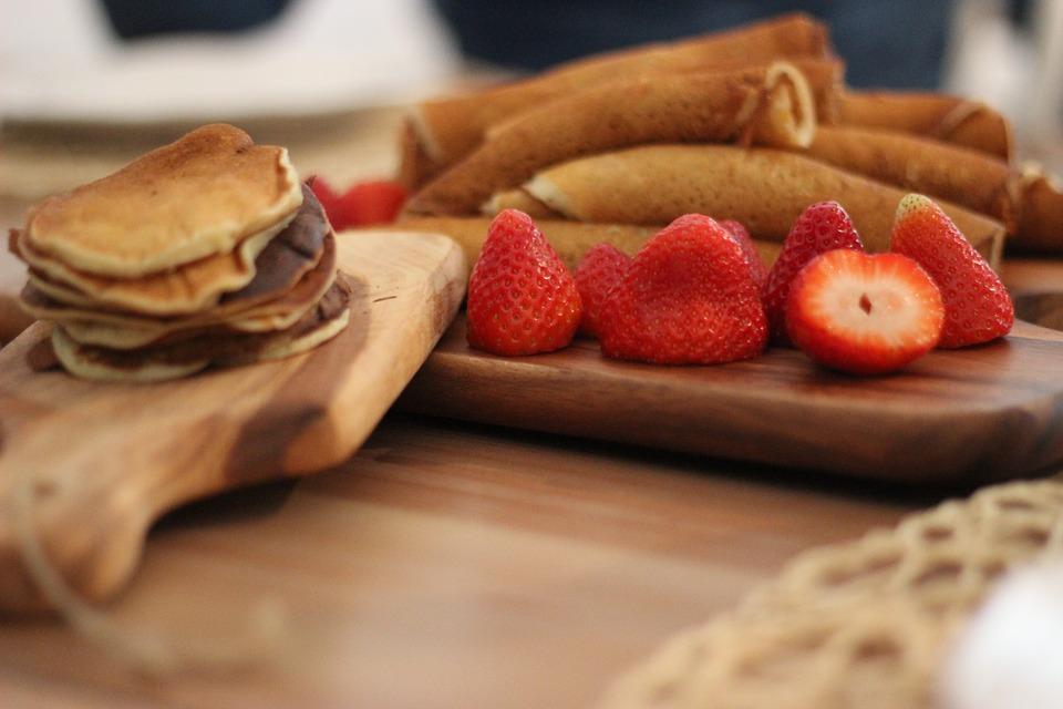 strawberry-protein-pancakes